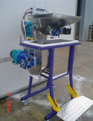Malaxer Hammer Mill Feeder Unit